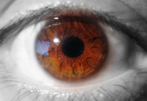 B&w_and_colour_eye