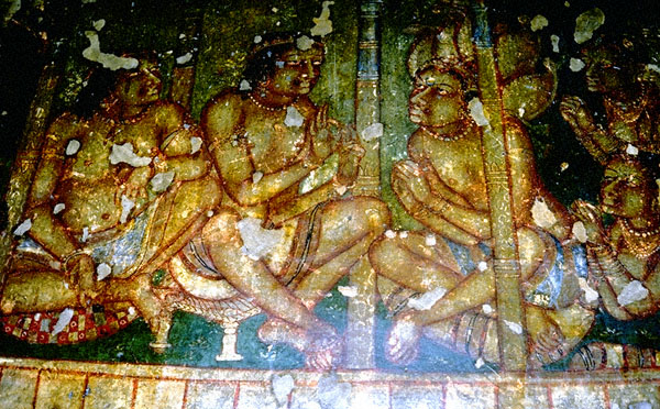 Murals in the Ajanta caves. Image Source: Wikimedia Commons.