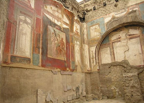 Hall of the Augustals, Herculaneum. Image Source: Wikimedia Commons