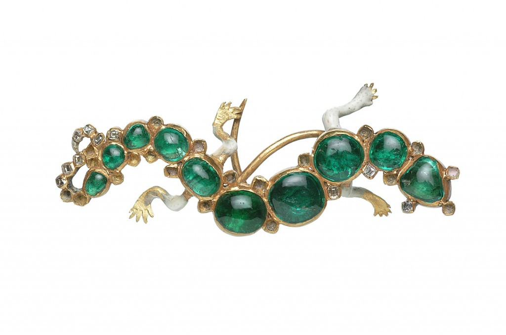 A gold, diamond and emerald hat ornament in in the form of a salamander from the Cheapside Hoard. Image Courtesy of The Guardian.