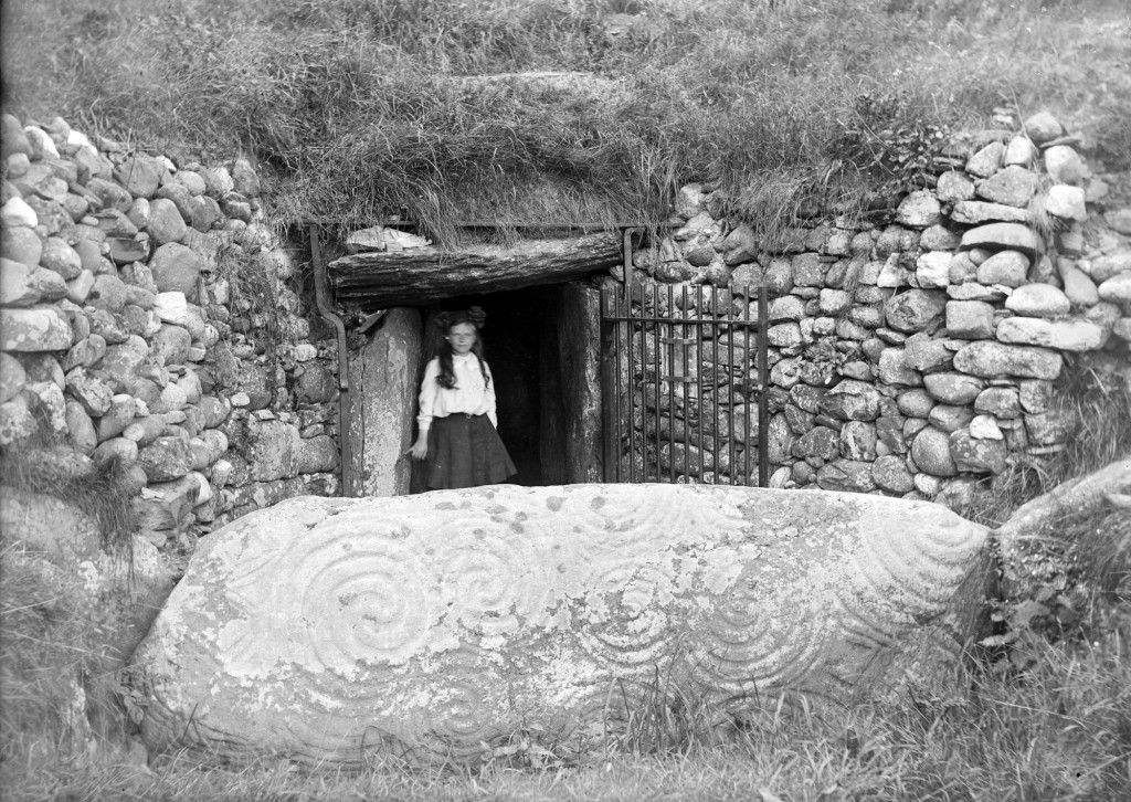 Newgrange has long been a visitor hotspot, Image Source: Wikimedia Commons
