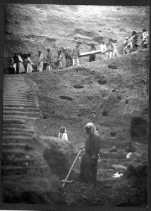 Workers carrying skeleton. Image Courtesy of: University of Pennsylvania